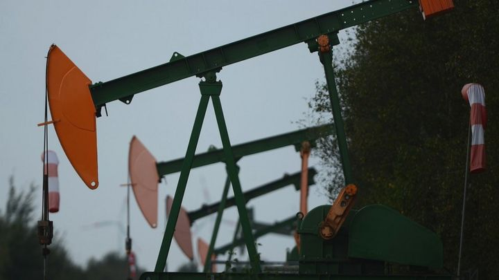 Oil rises on China's plan to boost US crude imports, OPEC+ compliance