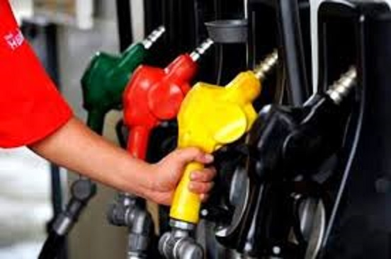 Fuel prices touch record high in Delhi, Mumbai